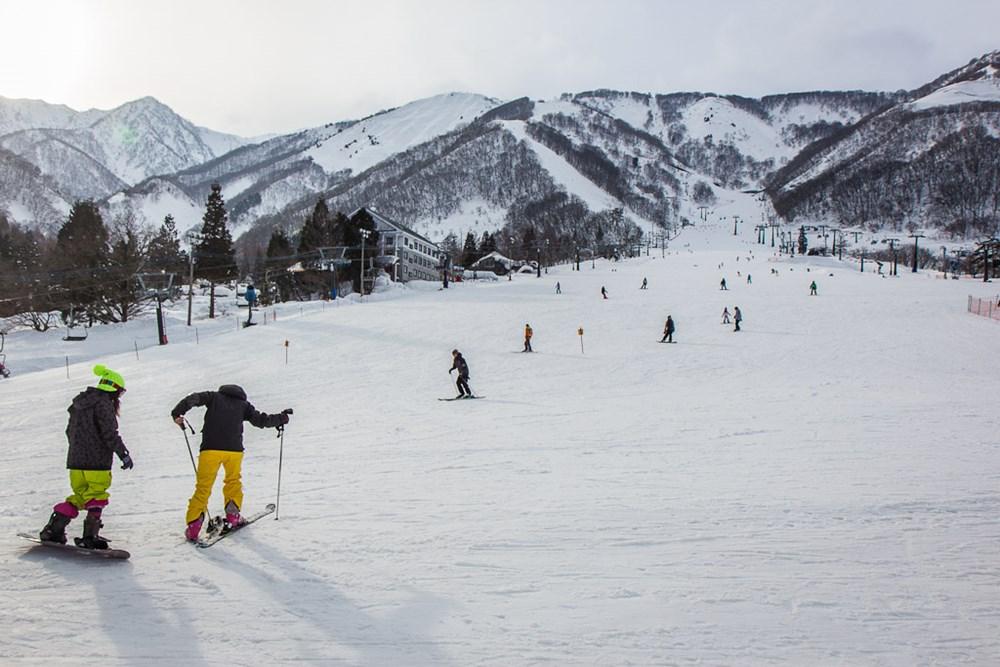 trượt tuyết ở nhật