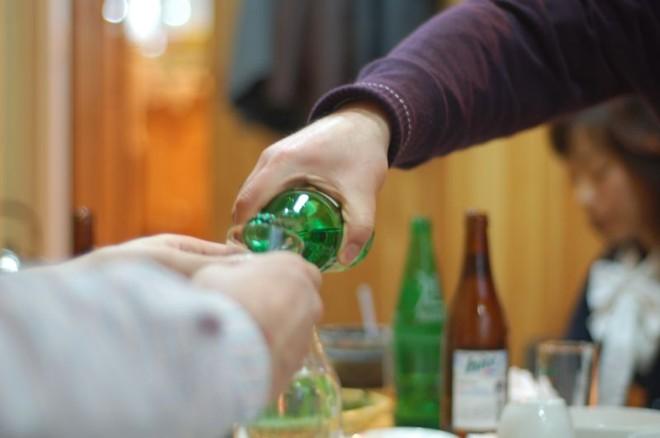uống rượu của người hàn